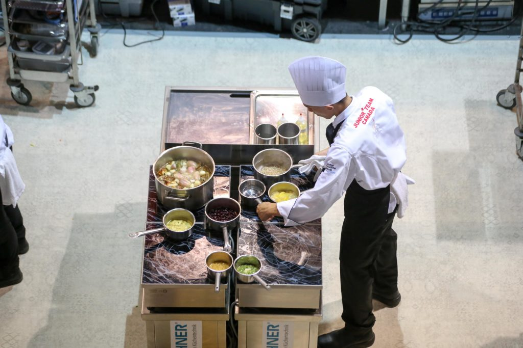 To ensure that the teams have their equipment and all cooking ingredients ready for the four competition days of the IKA/Culinary Olympics, the planning team starts the organisation very early. Photo source: 2016 IKA/Culinary Olympics   Photo: IKA/Culinary Olympics