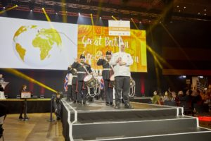 The United Kingdom celebrates their entry with drums.​​​​​​​ Foto: IKA/Culinary Olympics