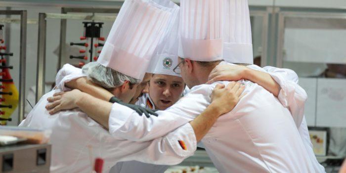 Die deutsche Köche Nationalmannschaft 2016 bereitet sich auf den Wettkampf vor. Foto: VKD