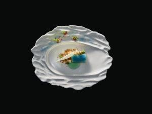 Beim Chef's Table und dem IKA-Buffet kommt auch unkonventionelleres Porzellan zum Einsatz. Foto: RAK Porcelain