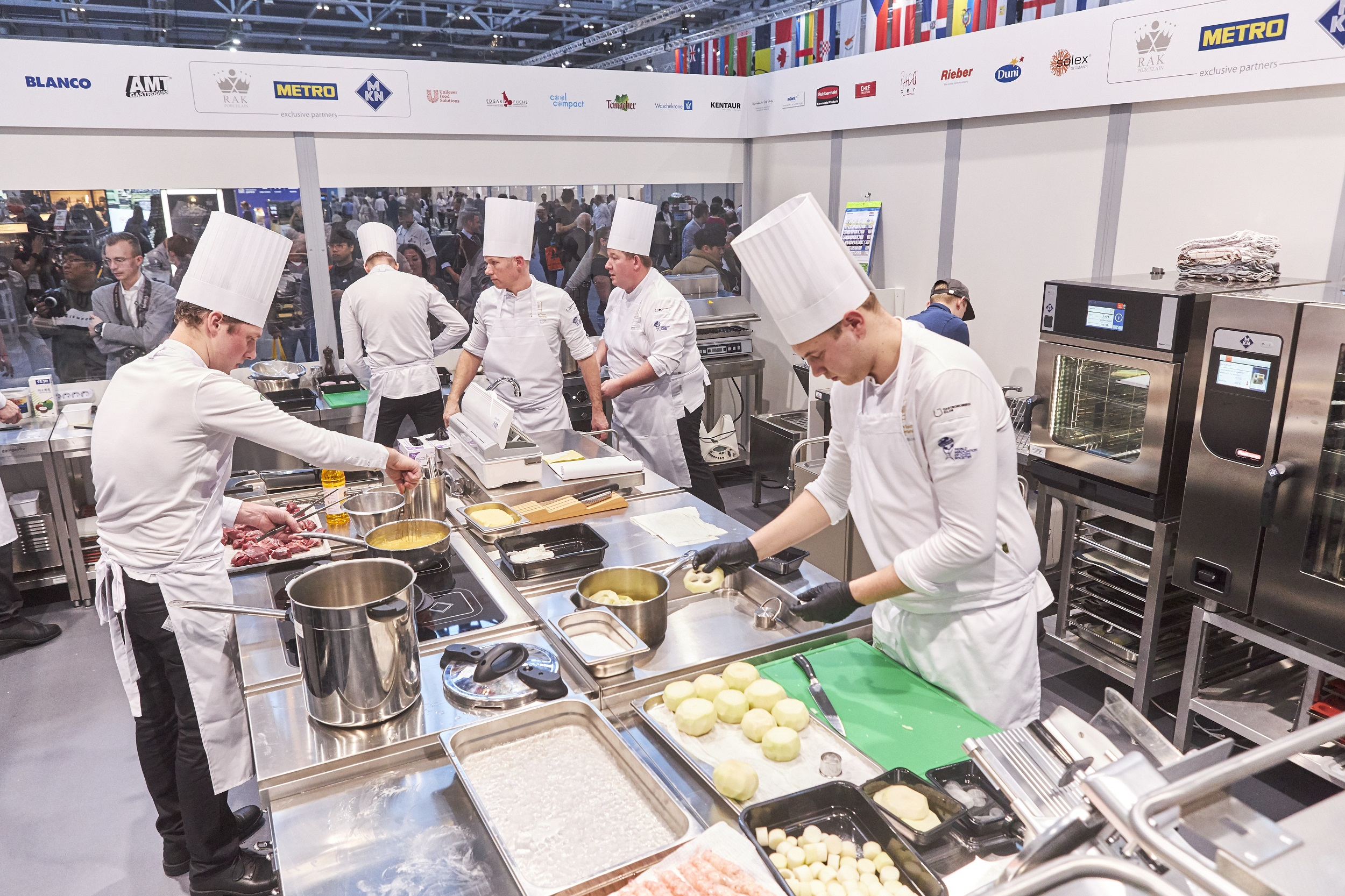 Blick in die Wettbewerbsküchen. Foto: IKA/Culinary Olympics